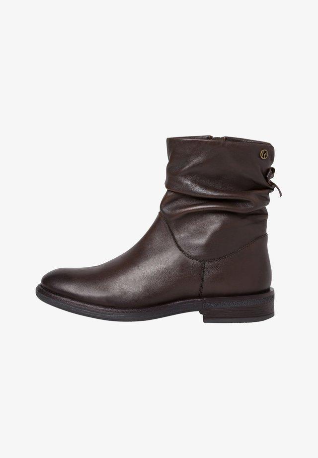 STIEFELETTE - Korte laarzen - brown