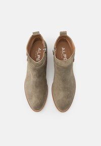 Alpe - NELLY - Ankle boot - army - 5