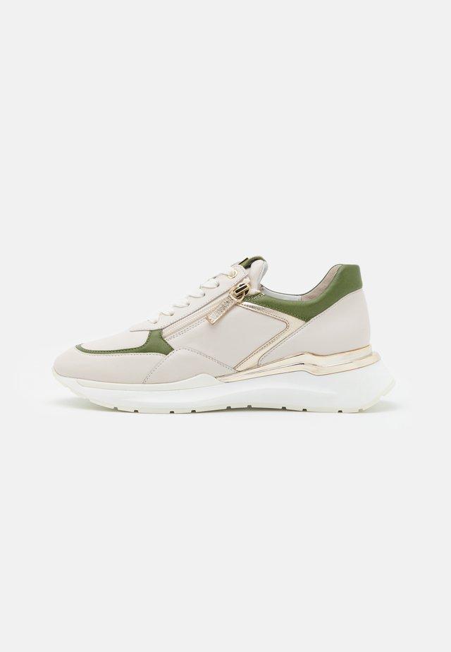 FUTURE - Sneakers laag - creme
