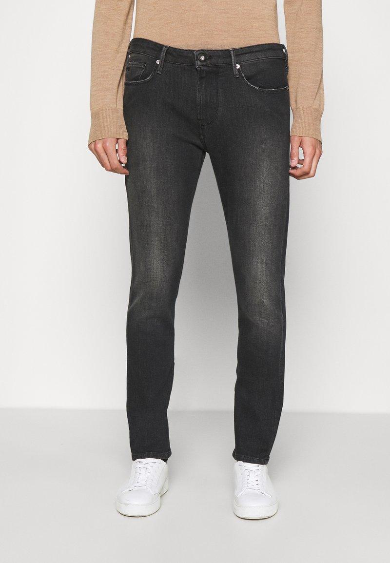 Emporio Armani - Slim fit jeans - denim nero