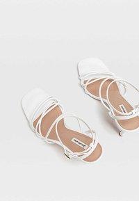 Stradivarius - Chaussures de mariée - white - 3
