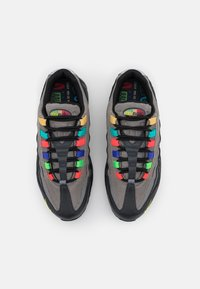Nike Sportswear - AIR MAX 95 - Trainers - light charcoal/university red/black - 5