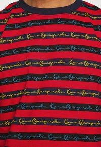 Karl Kani - STRIPE TEE - T-shirt con stampa - red - 5