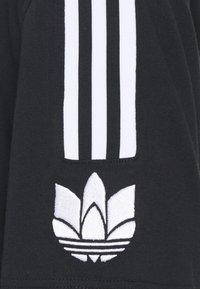 adidas Originals - UNISEX - Print T-shirt - black/white - 2