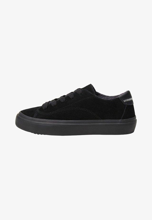 MASTY - Sneakers laag - černá