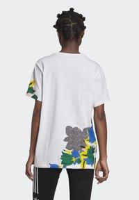 adidas Originals - HER STUDIO LONDON LOOSE T-SHIRT - Print T-shirt - white - 1