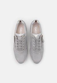 Gabor Comfort - Sneakers laag - light grey/silber - 5