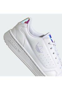 adidas Originals - NY 90 UNISEX - Sneakers basse - ftwr white/supplier colour/ftwr white - 6