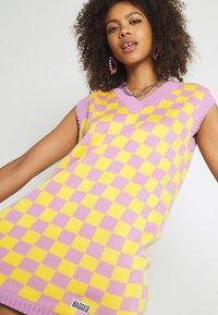 The Ragged Priest - VINYL DRESS - Jumper dress - yellow/lilac - 3