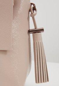Ted Baker - LONYN - Handbag - nude pink - 5