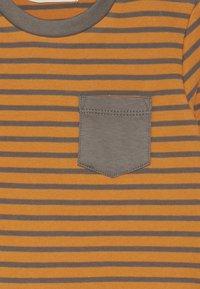 Sense Organics - ELAN BABY - Langarmshirt - yellow/dark grey - 3