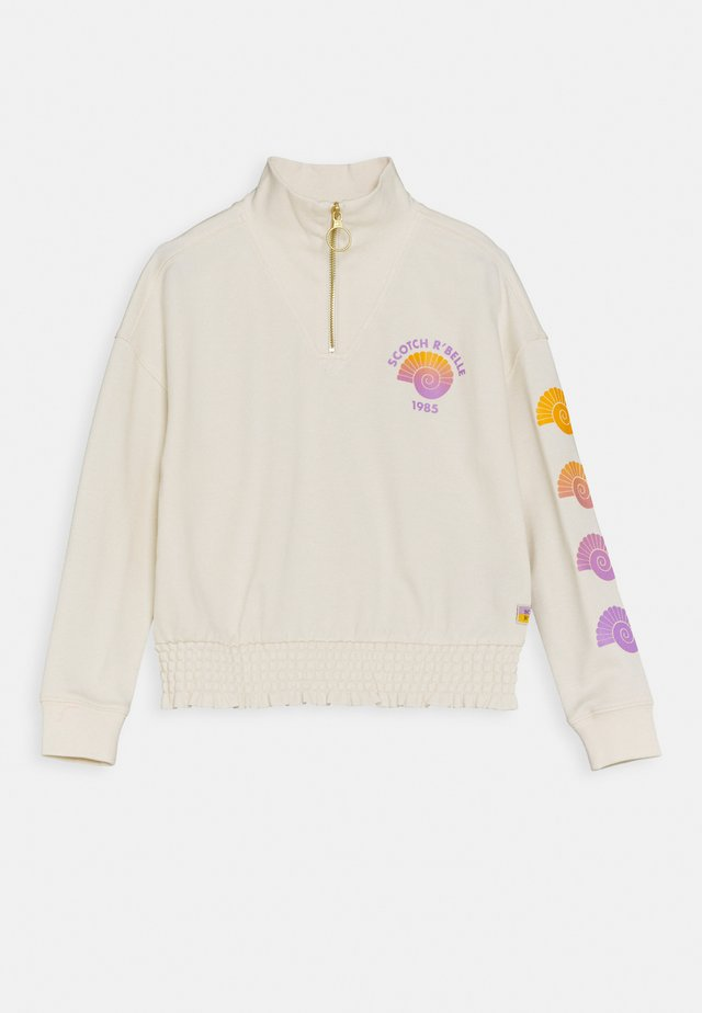 BOXY FIT WITH HALF ZIP NECKLINE AND PRINTED ARTWORKS - Sudadera - off white