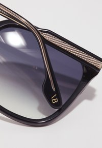 Victoria Beckham - Aurinkolasit - black - 3