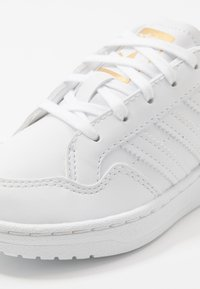 adidas Originals - TEAM COURT - Baskets basses - footwear white/core black - 2