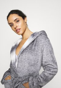 Loungeable - RACOON HOODED ROBE - Dressing gown - grey - 3