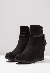 XTI - Wedge Ankle Boots - black - 4