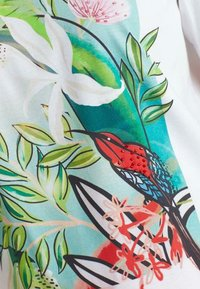 Marc Cain - Print T-shirt - wild lime - 4