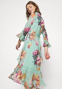 YAS - YASMALLA 3/4 DRESS SHOW - Kjole - light green - 3