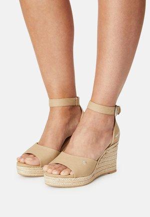 MAIDA BASS - Platform sandals - sand