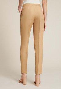 Luisa Spagnoli - AUTORE - Trousers - cammello - 1