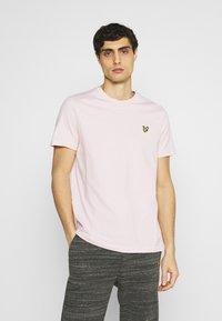 Lyle & Scott - PLAIN - T-shirt - bas - stonewash pink - 0