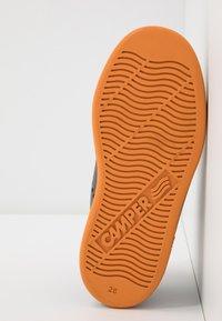 Camper - RUNNER FOUR KIDS - Zapatillas altas - medium gray - 5