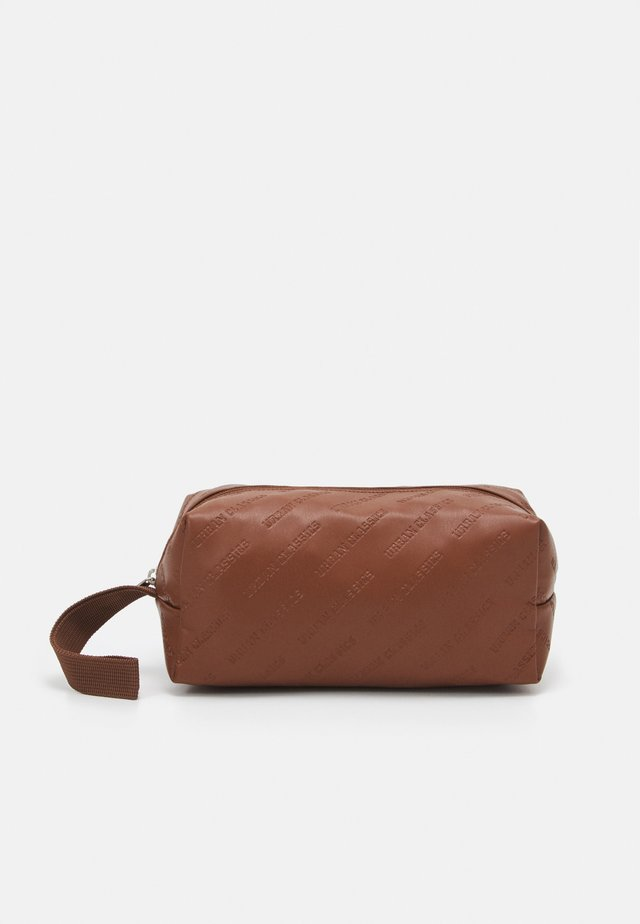 COSMETIC POUCH - Wash bag - brown