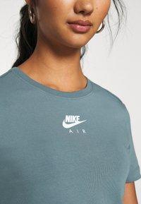 Nike Sportswear - AIR CROP - Camiseta estampada - ozone blue - 5
