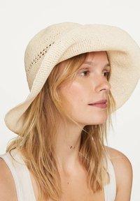 OYSHO - Hat - white - 3
