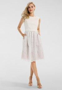 Apart - Day dress - creme-mauve - 1