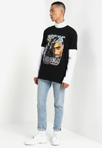 Mister Tee - TUPAC RETRO TEE - T-shirt med print - black - 1