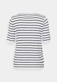 Kaffe - KAMALA - Print T-shirt - chalk/black - 1