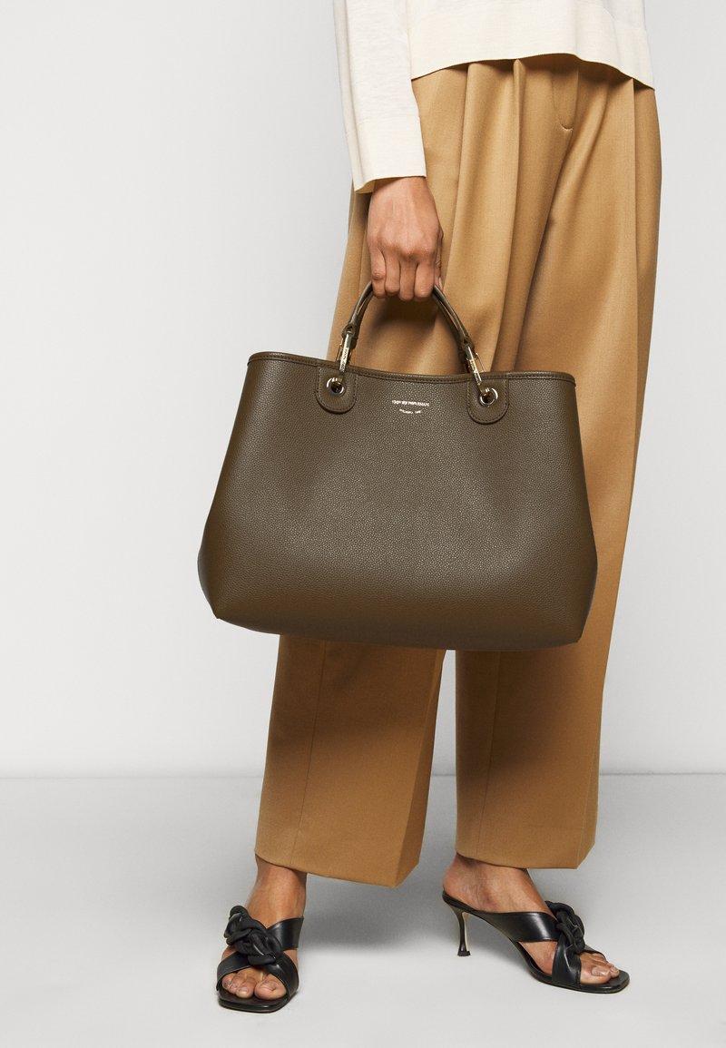 Emporio Armani - CAPSULE MYEABORSA SET - Handbag - khaki