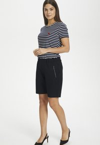 Kaffe - KAJILLIAN VILJA - Shorts - black deep - 1