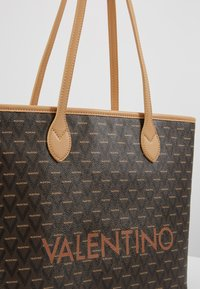 Valentino by Mario Valentino - LIUTO - Handbag - multicolor - 5