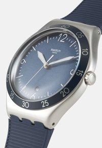 Swatch - SUIT BIG CLASSIC - Klocka - blue - 3