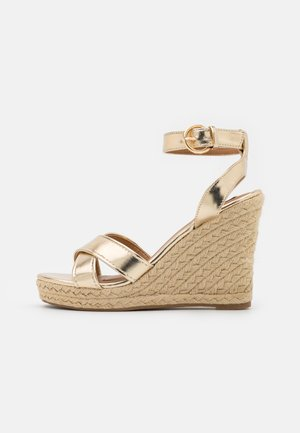 ONLAMELIA LIFE STITCH  - Platform sandals - gold