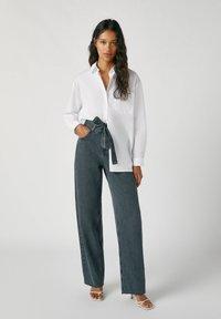 PULL&BEAR - Jeans a zampa - black - 1