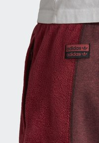 adidas Originals - R.Y.V. SWEAT JOGGERS - Tracksuit bottoms - red - 7