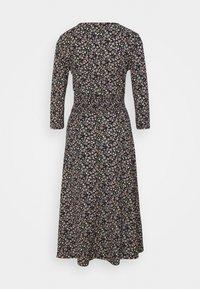 ONLY - ONLZILLE NAYA 3/4 DRESS - Denní šaty - black - 1