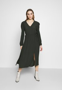 Dorothy Perkins - BILLIE AND BLOSSOM COLLAR MIDI DRESS - Day dress - khaki - 1