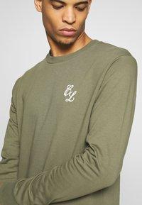 CLOSURE London - CREWNECK 2 PACK - Sweatshirt - khaki/navy - 4