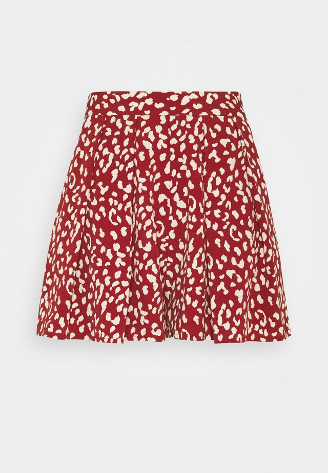 KENDALL LEOPARD - Shorts - red
