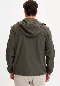 DeFacto - veste en sweat zippée - khaki - 2