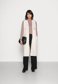 Selected Femme - SLFTINNI WIDE PANT - Kalhoty - black - 1
