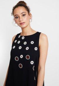 Desigual - CORDOBA - Denní šaty - black - 4