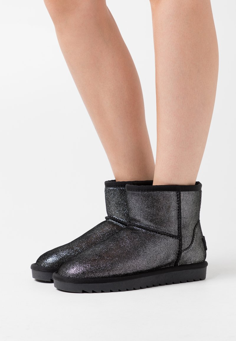 Colors of California - Classic ankle boots - black
