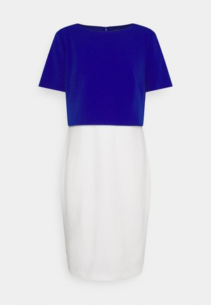 LUXE TECH DRESS - Etuikleid - cream/rugby royal