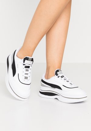 DEVA MONO POP  - Sneakers laag - white/black