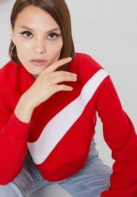 Nike Sportswear - CREW - Sweatshirt - university red/white - 3